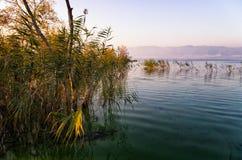Crepuscolo nel lago Volvi Fotografia Stock