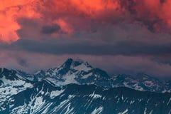Crepuscolo nelle alpi delle Wallis Fotografia Stock Libera da Diritti