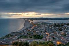 Crepuscolo a Portland in Dorset immagini stock
