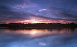 Crepuscolo sul lago Colwick fotografie stock libere da diritti