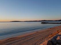 Crepuscolo sulla baia di St Tropez e di Sainte MAxime Immagine Stock