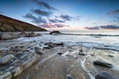 Crepuscolo sulla costa di Cornovaglia fotografia stock