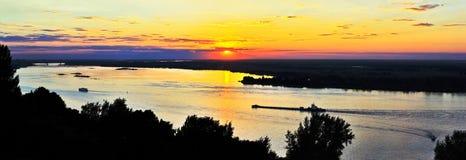 Crepuscolo a Volga in Nizhny Novgorod Fotografia Stock Libera da Diritti