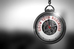 Cresça seu negócio na cara do relógio ilustração 3D Fotografia de Stock
