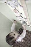 Crescimento de medição da criança foto de stock
