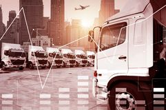 Crescimento de transporte por caminhão do transporte da logística de negócio imagens de stock