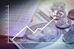 Crescimento do negócio com conta de depósito da economia do dinheiro e do banco imagem de stock