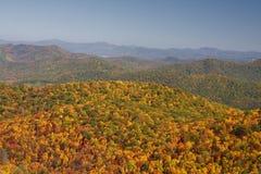 cresta blu delle montagne immagini stock libere da diritti