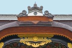 Cresta de la puerta de Kara-lunes en el castillo de Nijo Foto de archivo libre de regalías