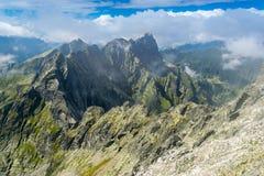 Cresta della montagna alla montagna di Rysy immagine stock libera da diritti