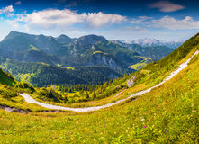 Cresta della montagna di Schneibstein in foschia di mattina Fotografia Stock