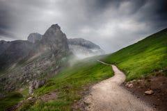 Cresta delle montagne prima di pioggia Immagine Stock Libera da Diritti
