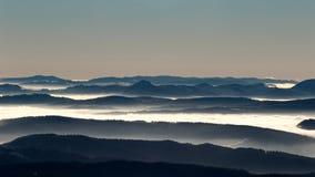 Crestas de montaña fotos de archivo libres de regalías