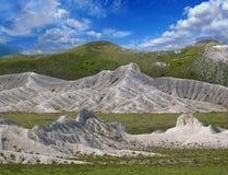 Creste bianche di paesaggio delle montagne Immagine Stock Libera da Diritti