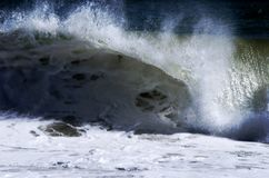 Cresting Atlantycka ocean fala zdjęcia royalty free
