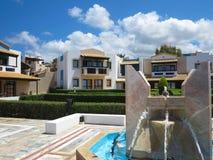 23 06 2015, CRETA, GRECIA Vista di lusso del villaggio greco su Creta Fotografia Stock Libera da Diritti
