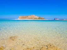 Crete, Grecja: Balos laguny paradisiacal widok plaża i morze, jeden turystyczni miejsca przeznaczenia dalej za zachód od Crete obrazy stock