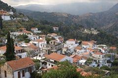 crete greece bergby Arkivbilder
