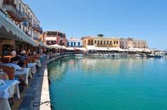 CRETE, RETHYMNO-JULY 23: Venetian schronienie z barami i restauracjami w Rethymno mieście na Lipu 23,2014 crete wyspa Greece Fotografia Royalty Free