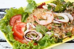 Crevette épicée avec de la salade de calmar Photographie stock