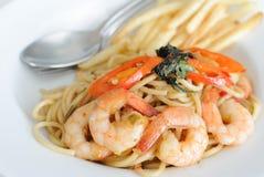 Crevette épicée de basilic de spaghetti Photographie stock