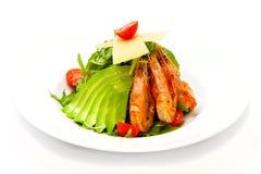 Crevette de salade avec l'avocat et la douille Photographie stock libre de droits