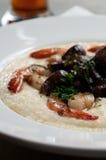 Crevette et granulations Photo libre de droits