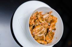 Crevette faite sauter à feu vif Celui du plat principal national du ` s de la Thaïlande la nourriture populaire en Thaïlande photos stock
