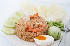 Crevette fraîche de /poivron de riz frit avec l'oeuf salé Image stock