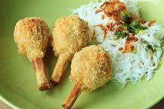 Crevette frite avec la canne à sucre - nourriture vietnamienne Photo libre de droits