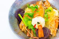 Crevette mise en pot avec des vermicellis Images stock