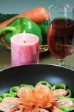 Crevette rose avec la décoration végétale Image stock