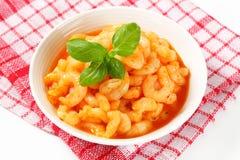 Crevettes avec de la sauce épicée Images stock