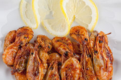 Crevettes avec de la sauce photos stock