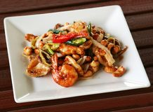 Crevettes avec des anacardes Images stock