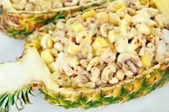Crevettes avec l'anarcadier en ananas Images stock