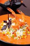Crevettes de tigre, crevettes roses, avec du riz et des légumes Photos libres de droits