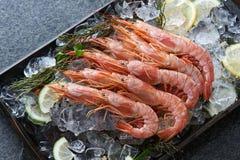 Crevettes entières Photo libre de droits