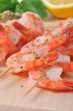 Crevettes et d'autres ingrédients à bord Image libre de droits