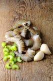 Crevettes fraîches de tigre sur le backgraund en bois Photo libre de droits