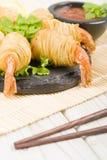 Crevettes roses de ficelle de pomme de terre Photos stock