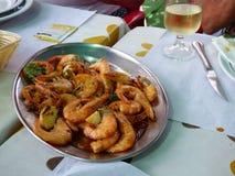 Crevettes roses frites Piri-Piri Image libre de droits