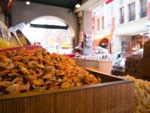 Crevettes sèches dans le premier plan photo stock