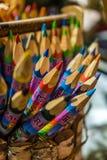 Creyones coloridos del recuerdo en venta Imagen de archivo libre de regalías