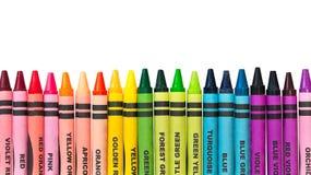Creyones coloridos en una fila Fotografía de archivo
