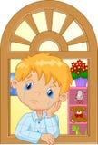 Cri de petit garçon de bande dessinée et observation de la fenêtre illustration de vecteur