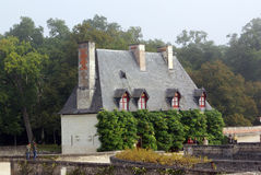 Criados de casa sobre la base del castillo de Chenonceau Imagen de archivo