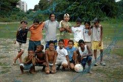 Crianças brincam em à ¡ rea carente Obraz Royalty Free