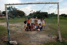 Crianças brincam em à ¡ rea carente Zdjęcia Stock