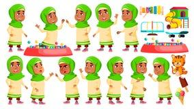 A criança árabe, muçulmana do jardim de infância da menina levanta vetor ajustado Expressão caucasiano da criança atividade Para  ilustração do vetor